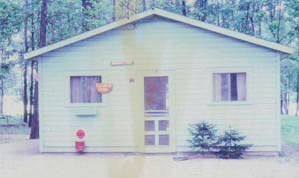 Camp Woodbury cabin in the '50's