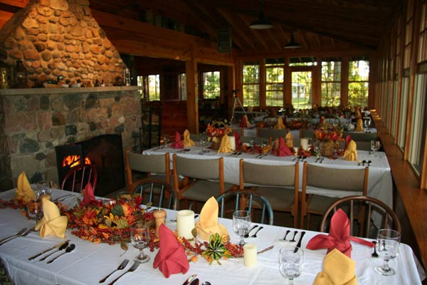 Fall dining at the lodge