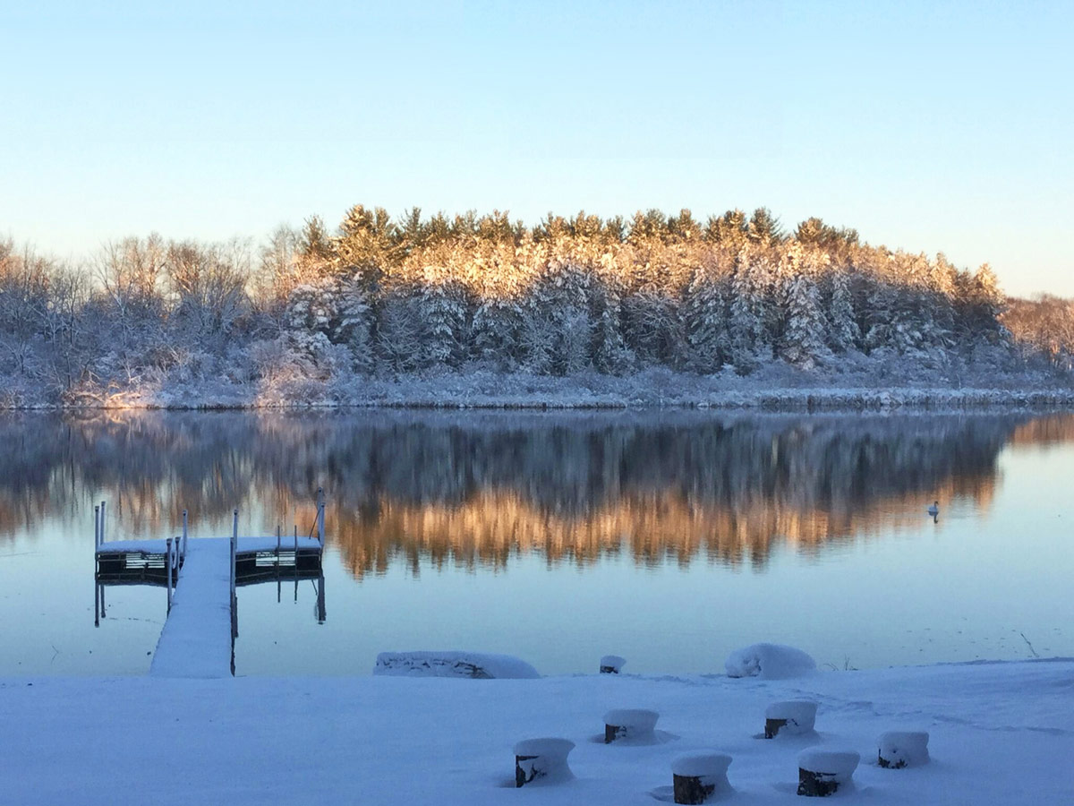Winter morning over Nordman Lake